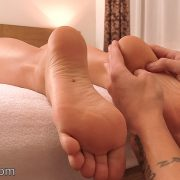 JC87-Foot-and-Calf-Massage-070